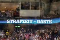 29.03.2018 --- Eishockey --- Saison 2017 2018 --- DEL --- Playoffs Halbfinale 1. Spieltag: Eisbären Berlin - Thomas Sabo Ice Tigers Icetigers Nürnberg --- Foto: Sport-/Pressefoto Wolfgang Zink / ThHa --- Strafzeit Gäste Symbolbild